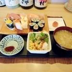 秀すし  - ランチにぎり寿司850円位。