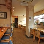 魚勝 - 一階テーブル16席 カウンター5席