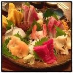 いろは寿司 - 刺盛・一人前盛。 ゴージャス。
