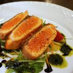 レキップボンド - サーモンのレアステーキ&サラダ