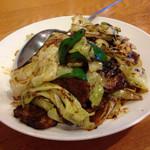 白馬飯店 - 肉とキャベツの辛味噌炒め