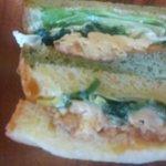 やさいパンのみせ まちのカフェVIVO - 青菜と玉子のサンド
