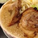 せたが屋 - 魚郎ラーメン:魚介味の二郎ラーメン、炙り焼豚にニンニクがいい。