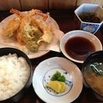 わらく亭白雲 - 料理写真:天ぷら定食(750円)