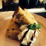 カフェ モナカ - イチジクのパウンドケーキ