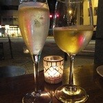 30574863 - ピノ シャルドネスプマンテ:700円+白ワイン