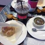 果子乃季 - 料理写真:シュークリーム、抹茶ブリュレ、コーヒー