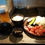 薩摩焼肉 黒桜 - 『アサヒスーパードライ生ビール(大)』(680円)と『鹿児島三大名産盛り合わせ』(1680円)~♪(^o^)丿
