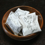 小梅堂 - 伊豆屋旅館でのお茶請け