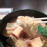 鯛麺真魚 - 豚バラ肉と豆腐の旨辛拉麺