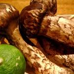 串かつ にし川 - 松茸と名残り鱧のハーモニーをご賞味下さい。