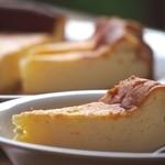 ピッツァ・チーズ料理の店 美砂家 - 美砂家特製の「プチチーズケーキ」(数量限定) \300