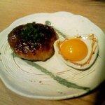 浅草銀鯱 - 「自家製つくね(黄卵付き)。まあまあだね。