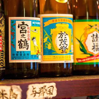 入手が難しい「宮之鶴」☆65種以上の泡盛がございます。