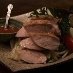 鉄火炉火 - 健味鶏のジューシーな胸肉