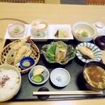 寿司割烹 かざま - 料理写真:よくばり御膳1500円。