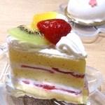 パティスリー パリシ - ショートケーキ