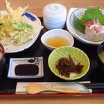 漁協直営店 さかな専門家 志賀島センター - 天刺し定食