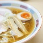 煮干鰮らーめん 圓 - 繊細なスープ