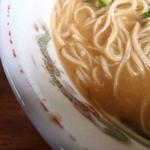 珍竹林 - 中央の破片は麦味噌の証明