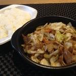 ほっともっと - 料理写真:肉野菜炒め弁当490円☆(第四回投稿分①)