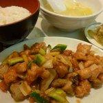 明蘭餐庁 - 鶏肉の辛子炒め