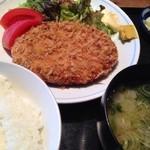 30614128 - ほの字定食(牛肉とキャベツのメンチカツ)