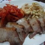 居酒屋まさる - 煮豚盛り