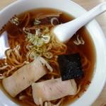丸とし - 料理写真:ラーメン(¥450税込み)