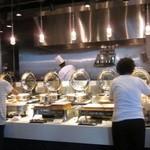 ブッフェ エクスブルー - 洋食コーナー 裏が厨房です