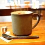 HAGI CAFE  - コーヒーも作家モノの器?にはいってきます