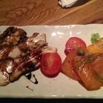 30615863 - 地鶏とサーモンの燻製