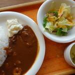 30615868 - プリプリ海老の赤カレーライス(¥950)スープ、サラダ、ドリンク付き