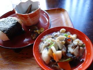 たけだ - 会津の味、ちょこっとセット(¥500税込み)ちなみに正式な漆塗りの器手塩皿になります。直径11㎝。