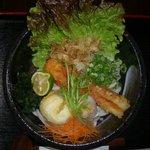 纏 - ちく玉天ぶっかけうどん…半熟玉子の天ぷらと鯛ちくわの、ほんのり甘みが最高。。。