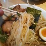 食楽工房 李居ど - 醤油ラーメンちぢれ細麺