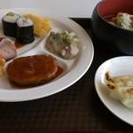 鶴カントリー倶楽部レストラン - 昼食バイキング