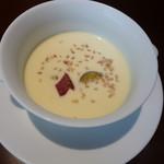 30637796 - 最初はさつまいものスープ