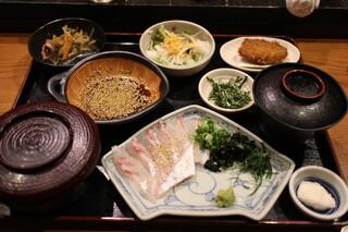 郷土料理 五志喜 本店 - 鯛めしセット