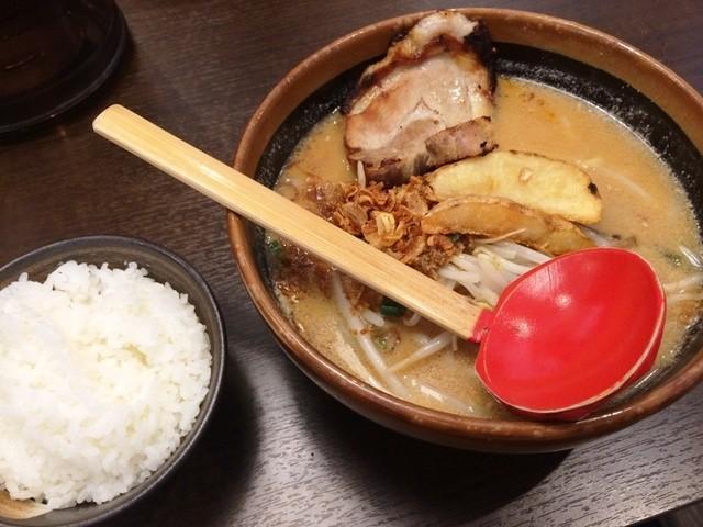 彰膳 熊本店 - 北海道味噌ラーメン(720円)+チャーシュー1枚(+130円)