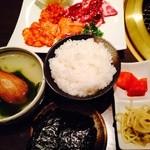 30654862 - ご飯(小)とスープが付いて〜ホルモン定食!