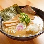鳥見本 - 料理写真:鶏骨醤油ラーメン