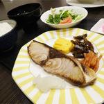 カフェ&ダイニング らく - 料理写真:2014.04_日替わり定食(750円)