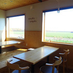 ファームレストラン野島さんち - 奥のテーブル席