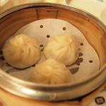 30658477 - 中華の定番メニュー「小龍包」