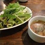 30658585 - サラダ+スープ+飲み物セット¥300