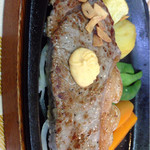 青野 - ランチコースのステーキ