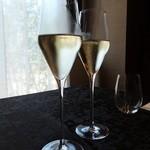 30662210 - スパークリングワイン:1050円