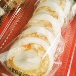 へんばや商店 - 餅には米粉が使われていて、つやがあってすごくもっちりしてるよ。 中のこしあんも甘さが控えめなので、大好きなんだ~♪ さすがは伊勢三大餅だね。