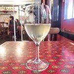 30669270 - 本日のランチ 3024円 の白ワイン